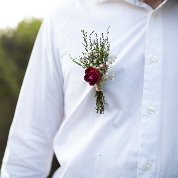 Burgundy boutonniere Groom's boutonniere Burgundy and ivory buttonhole Flower boutonniere for groom Handmade Magaela accessories