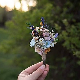 Meadowy flower boutonniere with lavender Wedding buttonhole Groom's boutonniere Magaela accessories Bridal accessories Handmade