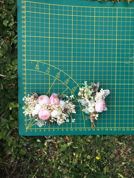 Blush and ivory boutonniere Flower buttonhole Beige corsage for groom Blush and cream groom's boutonniere Wedding accessories Magaela Pink Green