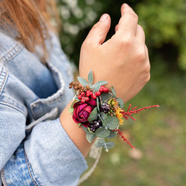 Autumn flower bracelet Red bracelet on lace Fall bracelet Wedding accessories Magaela Berries Green Accessories for bridesmaid Handmade