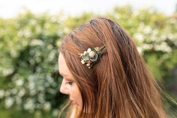 Woodland flower hair clip Bridal hair clips Beige Natural colours Earthy style Woodland clips Forest Magaela accessories Wedding
