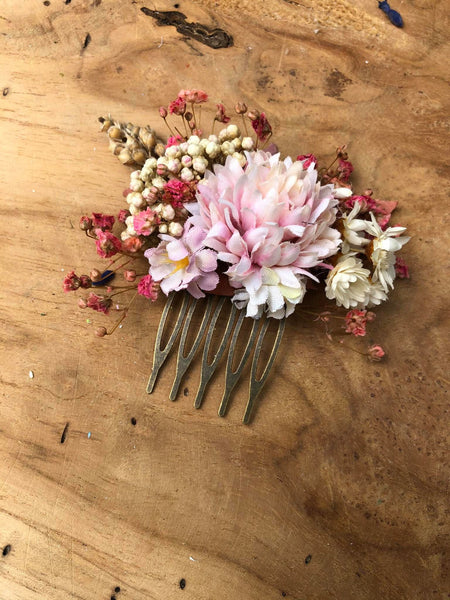 Pastel wedding hair comb Pink Bridal flower comb Magaela accessories Romantic flower jewellery Baby's breath comb Wedding 2021