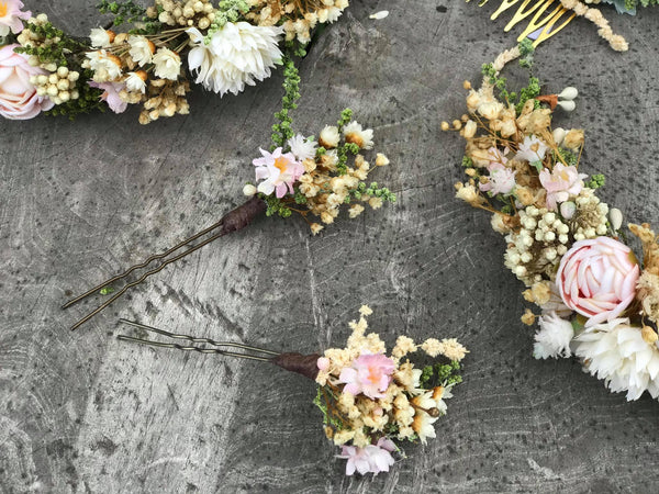 Wedding flower hair pins in pastel colours Bridal accessories Hair accessories Pastel wedding hair pins Handmade flower pins Baby's breath