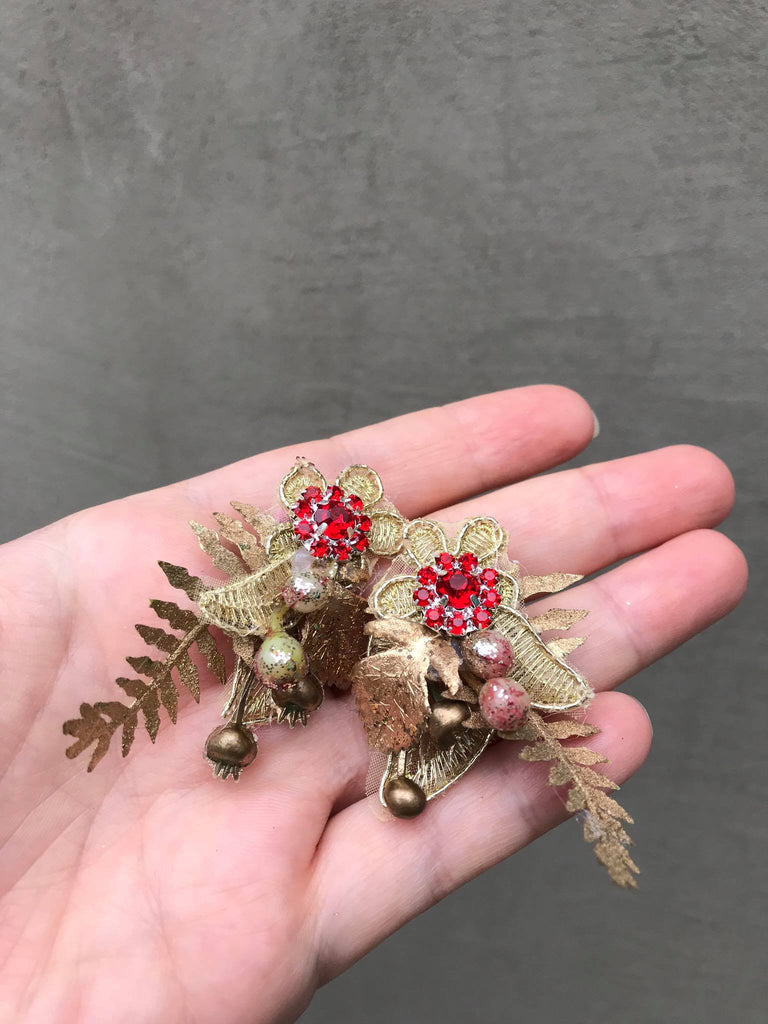 Glamour wedding flower earrings Golden and red earrings Flower clip on earrings Wedding jewellery Magaela accessories Handmade earrings