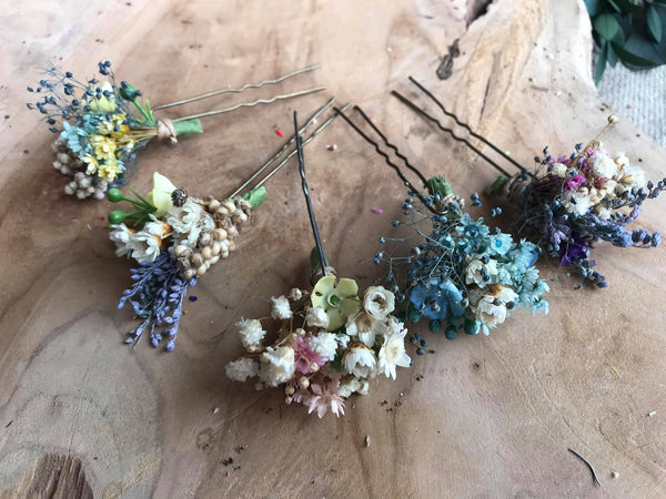 Blue and white flower hairpins Dried flower bridal hair pins Wedding floral accessories White hair pins Magaela accessories Bridal accessories
