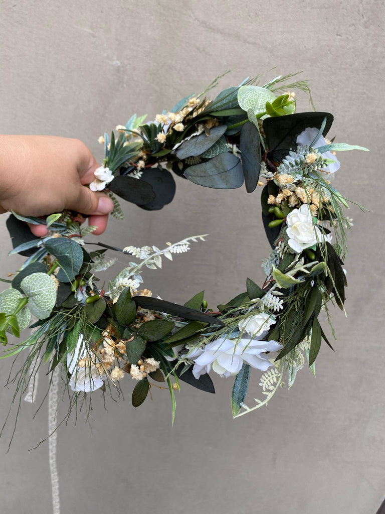 Greenery flower wreath with baby's breath Flower crown Bridal hair wreath Wedding half wreath Magaela accessories Blumenkranz Boho wedding