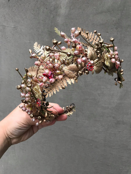 Luxury golden floral wedding hair crown Golden bridal hair vine Bridal wreath Wedding tiara Bridal hair piece Wedding accessory Magaela