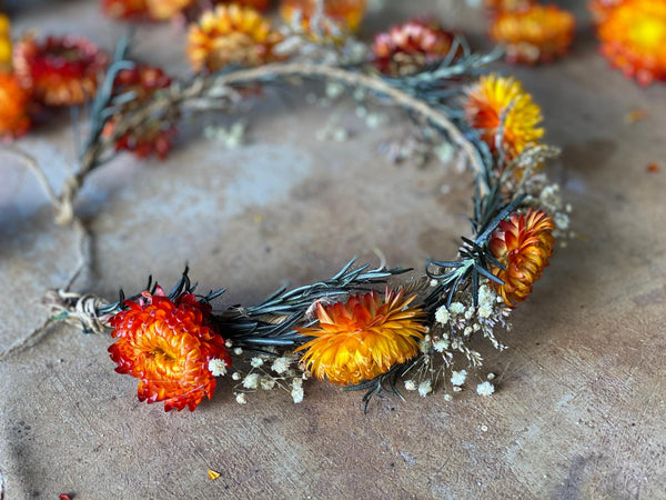 Natural flower hair wreath Wedding wreath Flower hair wreath Orange Bridal hair wreath Magaela Hair accessories Autumn flower crown Fall