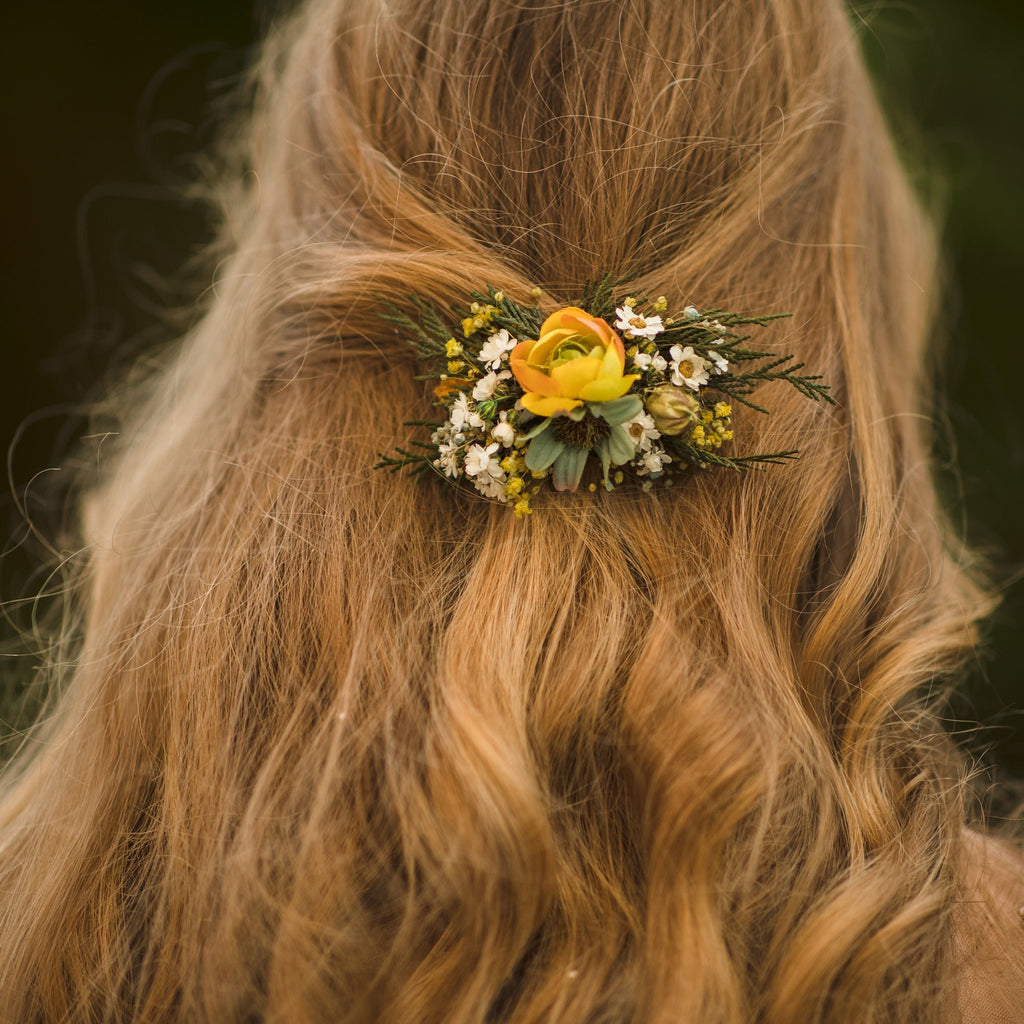 Autumn flower hair clip Wedding hair clip in earthy colours Bridal hair clip Hair accessories for bride Autumn wedding hair piece Magaela