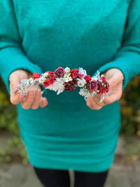 Christmas frozen wedding half wreath Bridal crown White and red headpiece Winter flower crown Winter photoshoot Christmas present Magaela