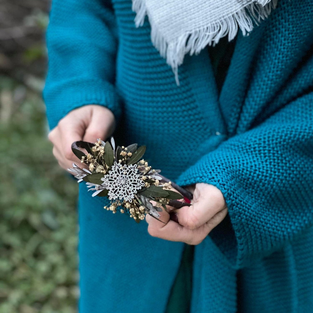 Christmas snowflake headband Wedding accessories Xmas Unique Winter bridal hairband Greenery Flower hairband Magaela Christmas Photoshoot