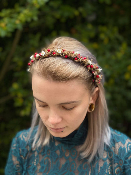 Natural brown and red xmas flower headband White red hair hairband Simple wedding headband Magaela blumen haarkranz Haarband Winter
