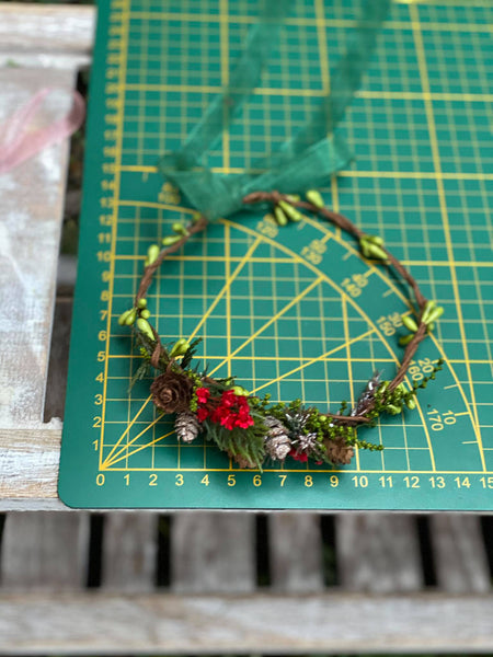 Set of christmas woodland flower crowns for mummy and daughter Forest photoshoot Christmas present for girl Mother and daughter wreath Xmas