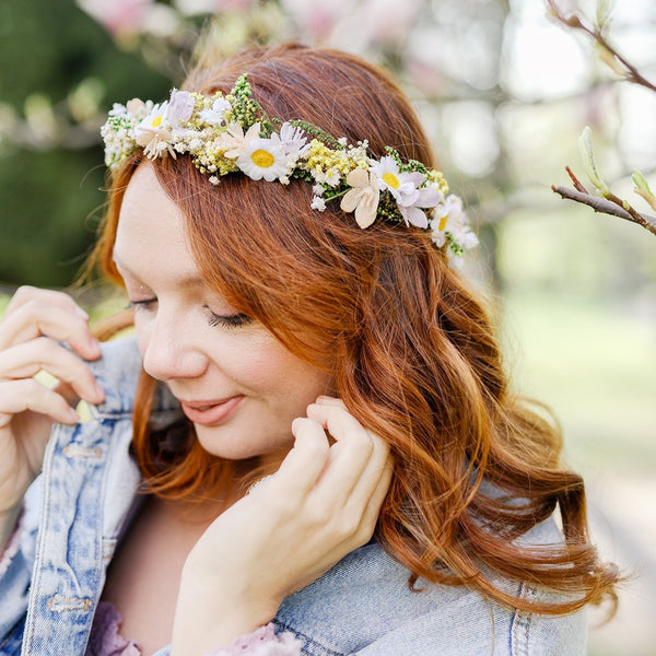 Daisy flower hair wreath Yellow and white meadow crown Bridal accessories Jewellery Magaela Headpiece Natural preserved baby's breath crown