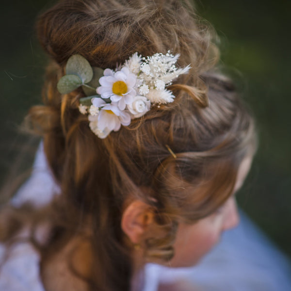 Daisy flower communion comb Meadow wedding hair comb Hair comb with daisies Flower girl Wedding comb Magaela Meadow style Flower jewelry