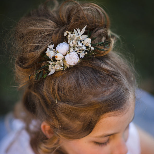Flower hair clip for first communion White peony headpiece for girl Barrette Flower girl clip Magaela accessories Hair jewellery