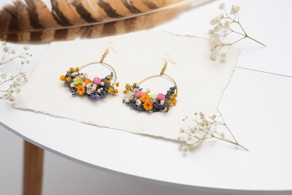 Circle dangle earrings Flower earrings Surgical steel Meadow colourful flower earrings for bride Dried flowers Magaela Lavender handmade
