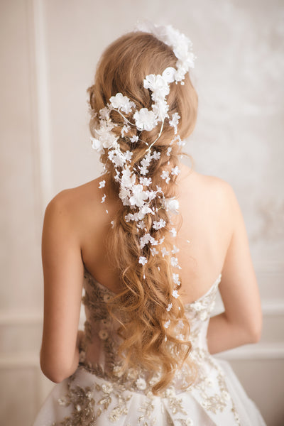 Shapeable white bridal vine Flower hair arrangement 2021 Bridal accessories Wedding headpiece Flexible hair vine Bendable bridal headpiece Magaela