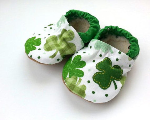 st patricks day baby shoes