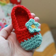 Crochet baby mary jane's