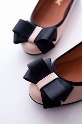 ballet flat with bows