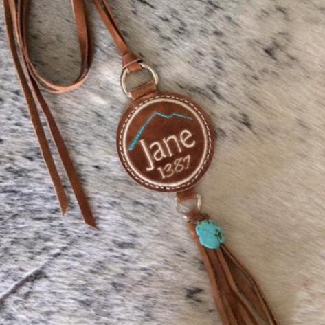 Name Necklace ~ Sisters on the fly