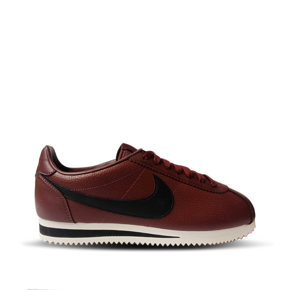 buy popular ffee6 14dda Nike Men s Cortez Classic Leather