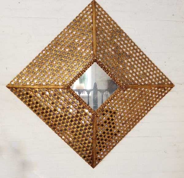 Diamond Shaped Reflector Mirrors