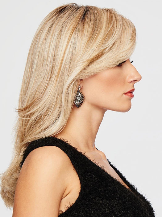 This long wigs is heat friendly, wear it straight, curly, or add the perfect wave