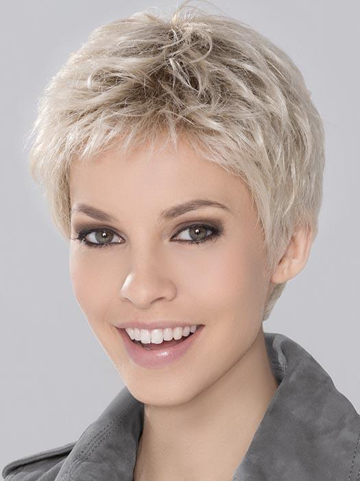 RUN MONO Wig by ELLEN WILLE in LIGHT-CHAMPAGNE-ROOTED | Platinum Blonde, Cool Platinum Blonde, and Light Golden Blonde blend