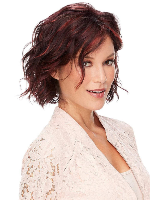 Short and elegant wavy wig, your sure to love!