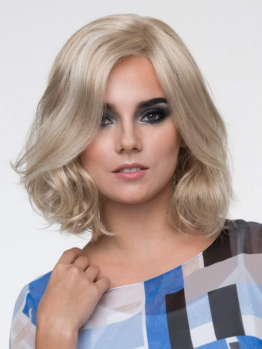 CHLOE Wig by ENVY in LIGHT BLONDE | 2 toned blend of Creamy Blonde with Champagne highlights