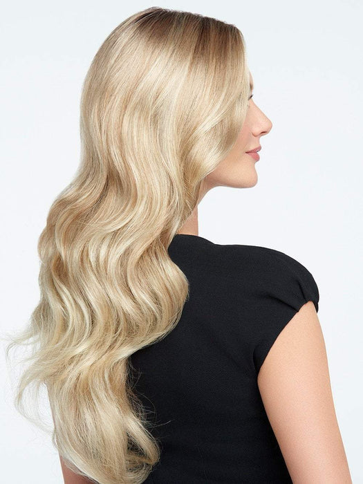 This long wig is the epitome of classic length and wave!