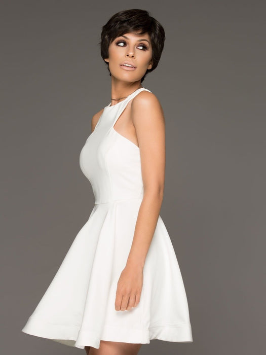 Extremely suitable for any occasion, this short wig is can be easily transformed from classic chic to modern and sexy