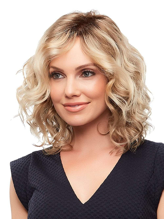Julianne Wig by Jon Renau is a wavy, mid-length bob that looks incredibly natural