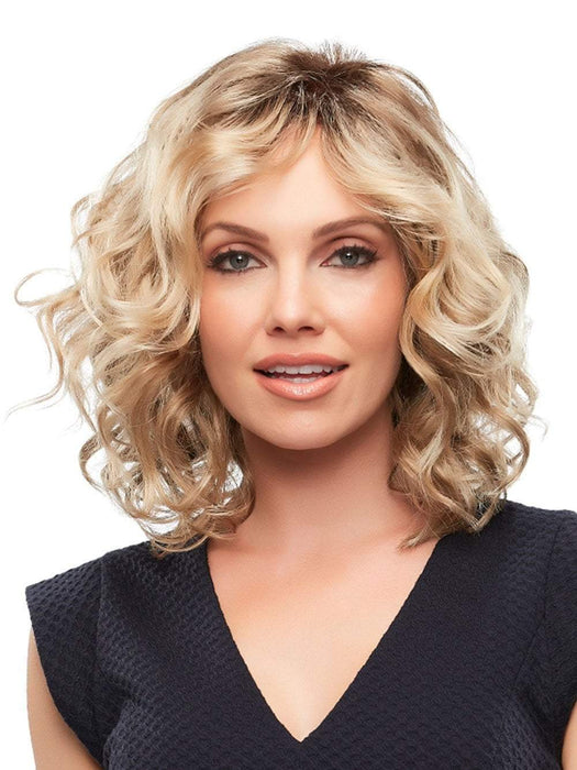 You'll love the loose and effortless beach waves and casual chic look of this wig