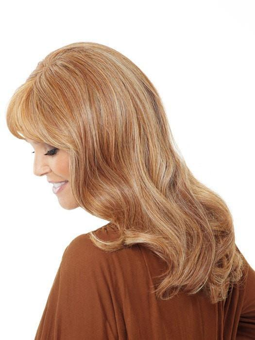 Heat-friendly fiber can be worn straight, curly, or wavy | Color: HT14/25