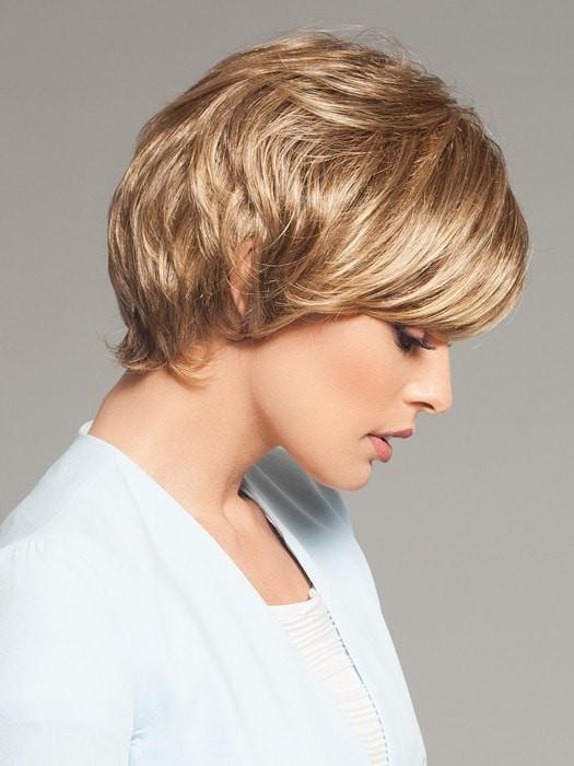 Soft body with a smooth side bang | Color: GL14-16