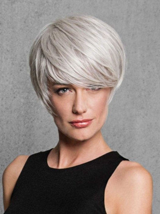 Color R56/60 = SILVER MIST | Angled Cut by HAIRDO | Short Wig