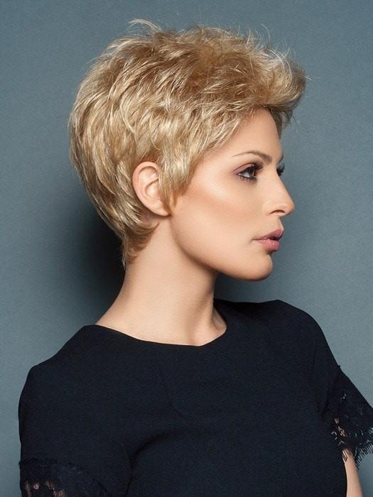 POWER by Raquel Welch in R25 GINGER BLONDE | Medium Golden Blonde with Subtle Blonde Highlights