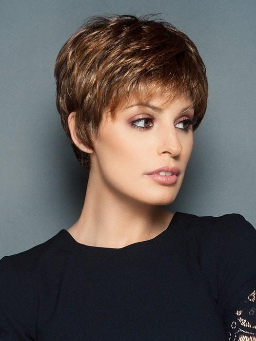 WINNER ELITE by Raquel Welch in SS8/29 SHADED HAZELNUT | Medium Brown With Ginger Highlights Dark Brown with Subtle Warm Highlights