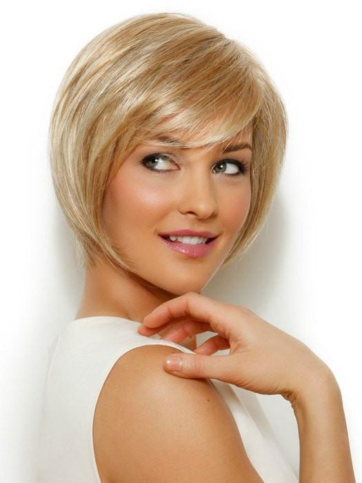 MUSE by Raquel Welch in R25 GINGER BLONDE | Golden Blonde with subtle highlights