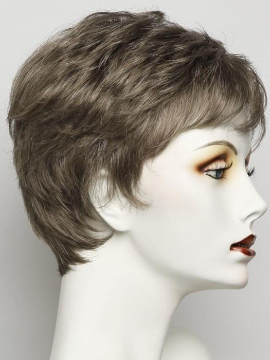 Color R9S+ = Glazed Mahogany: Dark Brown With Medium Auburn Highlights | Winner Petite by Raquel Welch