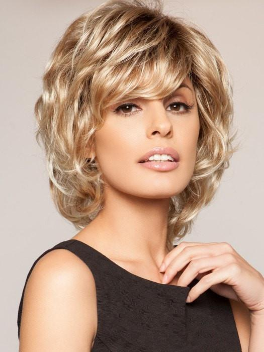 SALSA LARGE by Raquel Welch in SS14/88 SHADED GOLDEN WHEAT | Dark Blonde Evenly Blended with Pale Blonde Highlights and Dark Roots