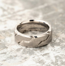 Load image into Gallery viewer, Titanium Ring - Silver Striker