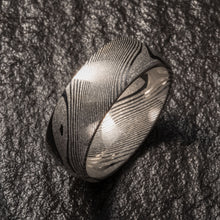 Load image into Gallery viewer, Wood Grain Damascus Steel Ring - Minimalist