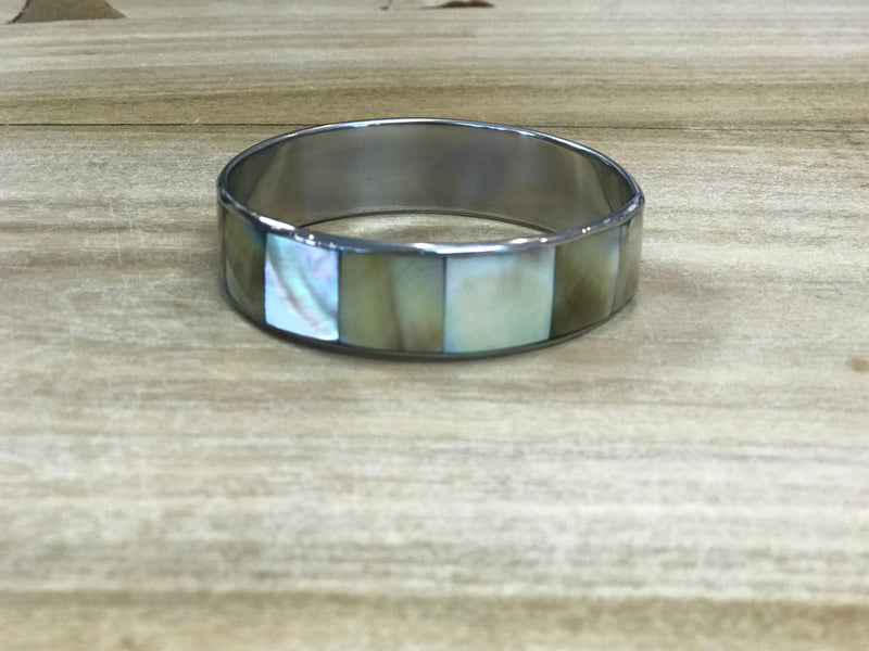 Bangle - limpet shell