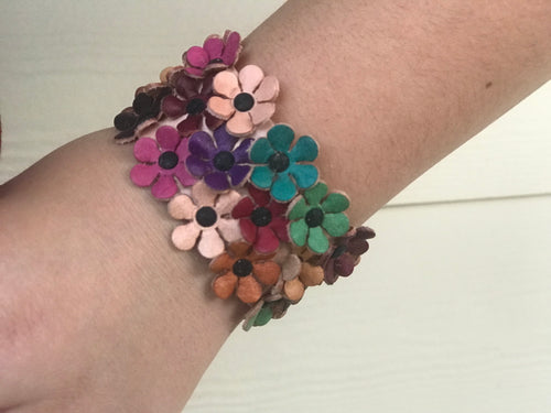 Bracelet - leather with flowers