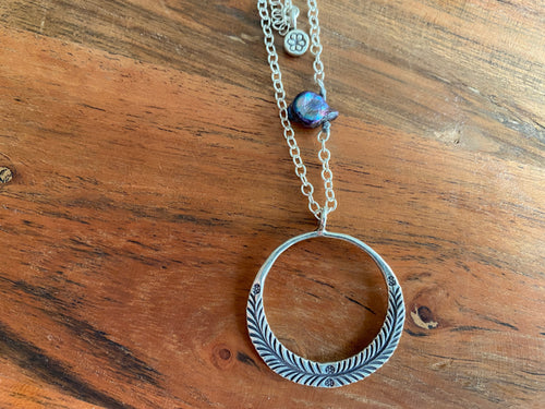 Necklace - silver chain & open circle with pearl