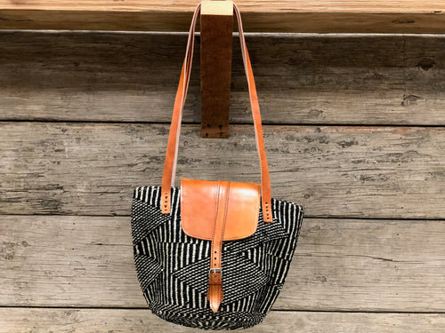 Bucket bag - sisal med - leather closure